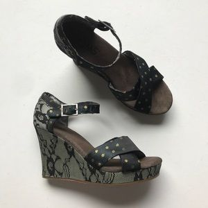 Toms Lace Polka Dot Wedge Heel Sandal Green